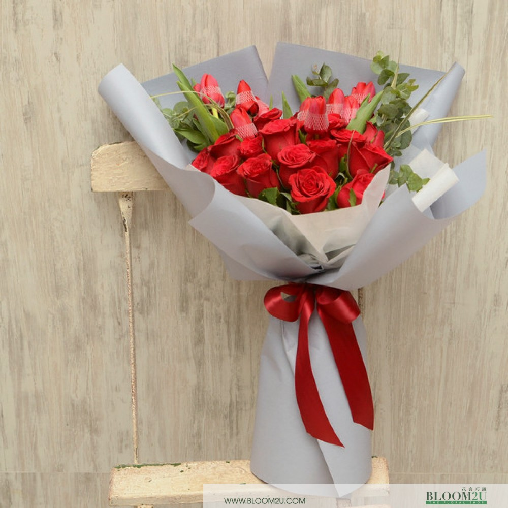 Alessia Cara Red Rose Bouquet by Bloom2U