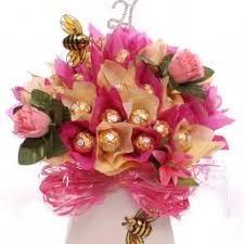 Hampers may have different gifts that you want your mom to have.